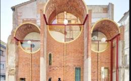 CASA CAN SAU: AN URBAN SETTING BORN FROM THE DEMOLITION OF A CHURCH – OLOT (SPAIN)