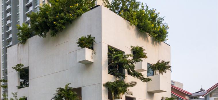 SKY HOUSE: A GREEN HOUSE IN THE CENTER OF SAIGON